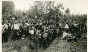 1937 circa - al lavoro - uomini, donne, giovani: armandu casagnac
